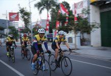 Kolonel Kav M. Zulkifli bersepeda (Gowes) bersama anggota Korem 084/BJ.